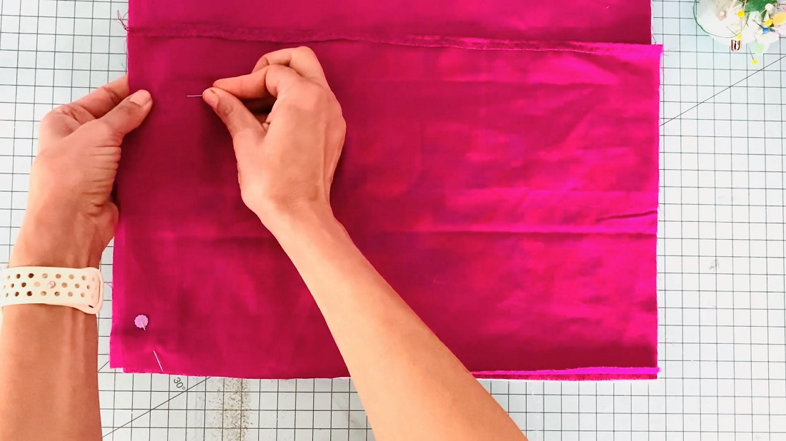 How to make a quilt block into an envelope pillow case 11